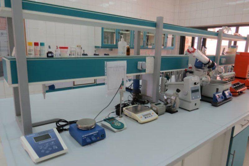 آزمایشگاه معتمد